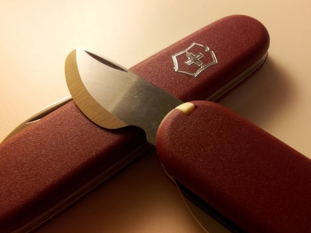 Victorinox watch-case opener