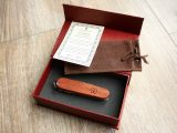 Victorinox Limited Edition Bubinga Huntsman - box contents