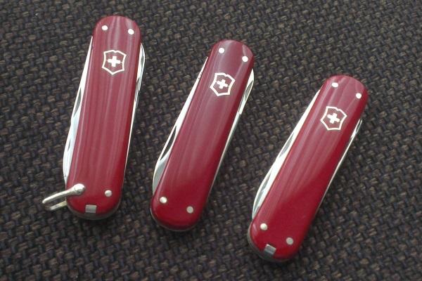 Vintage 74mm Victorinox knives