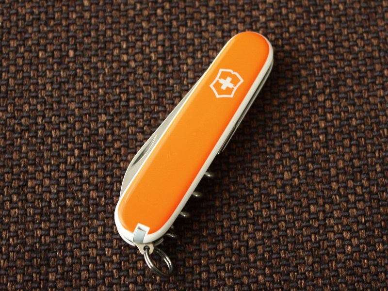 victorinox-waiter-pinstripe-orange-01